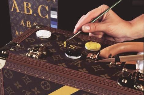 Louis Vuitton personalisation